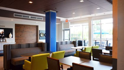 Restaurant | Holiday Inn Express & Suites Jacksonville W - I295 and I10