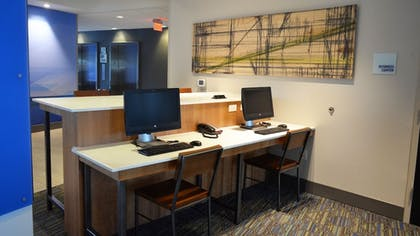 Business Center | Holiday Inn Express & Suites Jacksonville W - I295 and I10