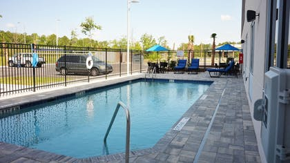 Pool | Holiday Inn Express & Suites Jacksonville W - I295 and I10