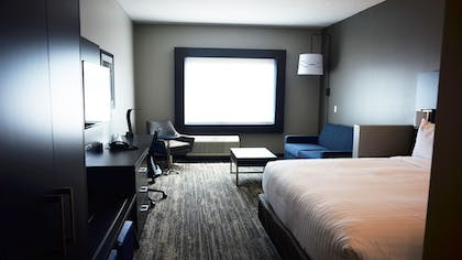 Guestroom | Holiday Inn Express & Suites Jacksonville W - I295 and I10