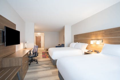 Guestroom | Holiday Inn Express & Suites Owings Mills-Baltimore Area
