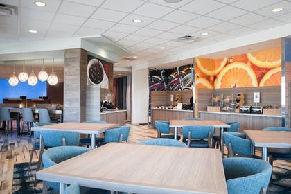 Restaurant | Fairfield Inn & Suites by Marriott Clearwater Beach