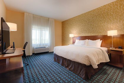 Guestroom | Fairfield Inn & Suites by Marriott Clearwater Beach