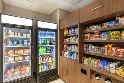 Interior Detail   Wingate by Wyndham Altoona Downtown/Medical Center