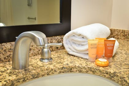 Bathroom Amenities | Penn Wells Lodge