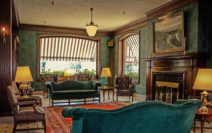 Lobby | Penn Wells Lodge