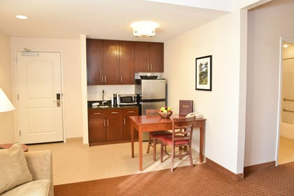In-Room Kitchenette | Penn Wells Lodge