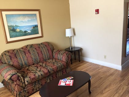 Living Area | Best Inn & Suites