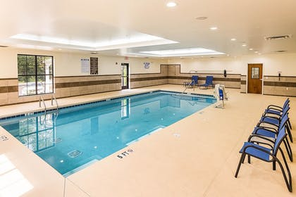 Pool | Comfort Suites Greenville South