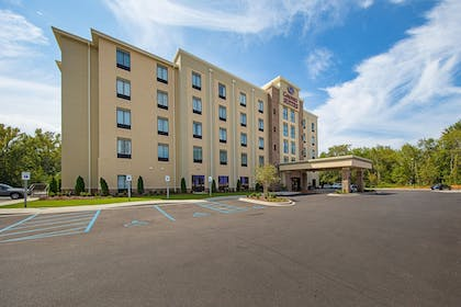 Hotel Front | Comfort Suites Greenville South