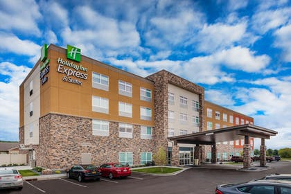 Featured Image | Holiday Inn Express & Suites Rice Lake