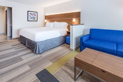 Guestroom | Holiday Inn Express & Suites Rice Lake