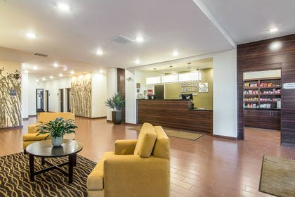 Lobby   Mainstay Suites