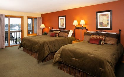 Guestroom   The Pointe Hotel and Suites