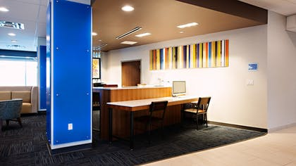 Business Center | Holiday Inn Express & Suites Houston SW - Galleria Area