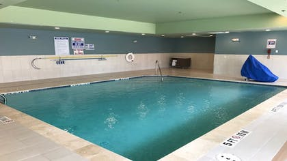 Pool | Holiday Inn Express & Suites Houston SW - Galleria Area