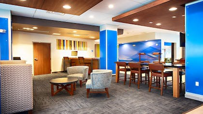 Lobby | Holiday Inn Express & Suites Houston SW - Galleria Area