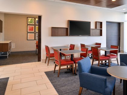 Restaurant | Holiday Inn Express & Suites Brighton South - US 23