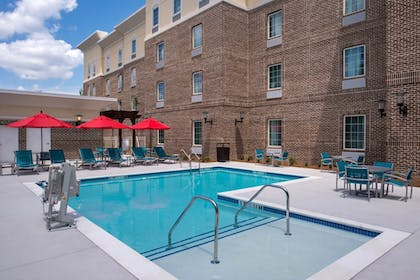 Outdoor Pool | TownePlace Suites by Marriott Charleston-West Ashley