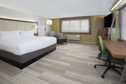 Guestroom | Holiday Inn Express & Suites Dodge City