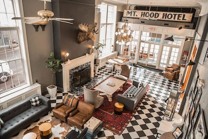Featured Image   Hood River Hotel