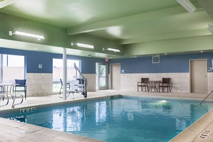 Pool   Holiday Inn Express & Suites Prosser - Yakima Valley Wine