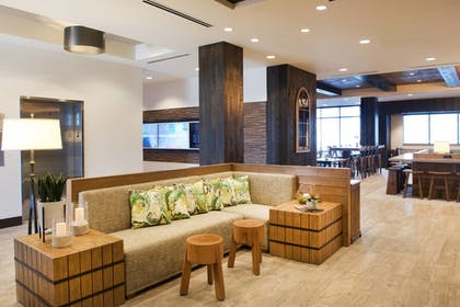 Hotel Bar | SpringHill Suites by Marriott Bend