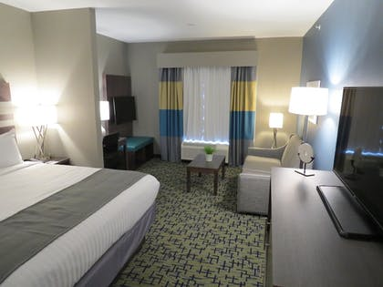 Living Area | Best Western Plus Erie Inn & Suites