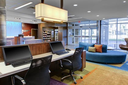 Business Center   Fairfield Inn & Suites by Marriott Bakersfield North/Airport