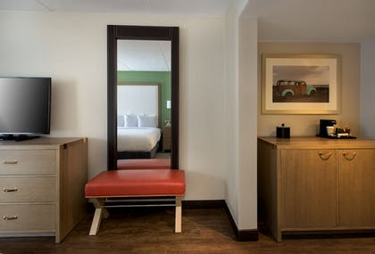Guestroom | The Hayes Street Hotel Nashville