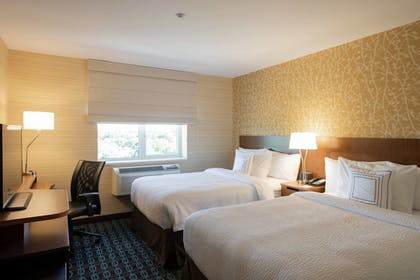 Guestroom | Fairfield Inn & Suites New York Queens/Fresh Meadows