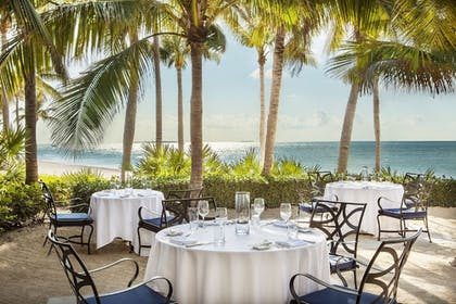 Outdoor Dining | Sunset Key Cottages