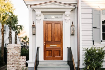 Hotel Entrance | 86 Cannon Charleston - Adults Only