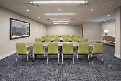 Meeting Facility | Holiday Inn Express & Suites Redding