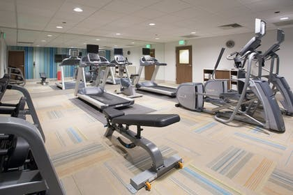 Fitness Facility | Holiday Inn Express & Suites Redding