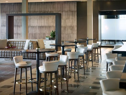 Hotel Bar | Marriott Columbus University Area