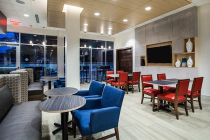 Restaurant | Holiday Inn Express Queensbury - Lake George Area