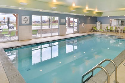 Pool | Holiday Inn Express & Suites Ogallala
