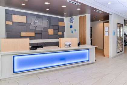 Lobby | Holiday Inn Express & Suites Ogallala