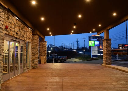 Exterior | Holiday Inn Express & Suites Pittsburgh - Monroeville