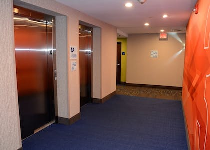 Hotel Interior | Holiday Inn Express & Suites Pittsburgh - Monroeville