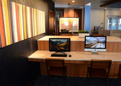 Business Center | Holiday Inn Express & Suites Pittsburgh - Monroeville