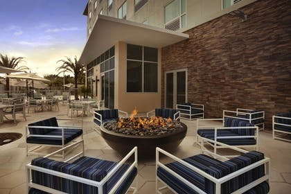 Terrace/Patio | Four Points by Sheraton Miami Airport