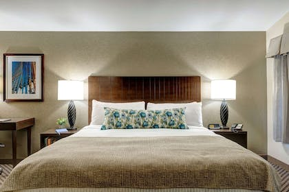 Room | The Garrison Hotel & Suites Dover-Durham, Ascend Collection