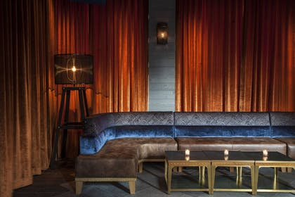 Hotel Bar | Moxy NYC Times Square