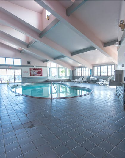 Indoor Pool | Pictured Rocks Inn & Suites