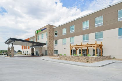 Exterior | Holiday Inn Express & Suites Chadron