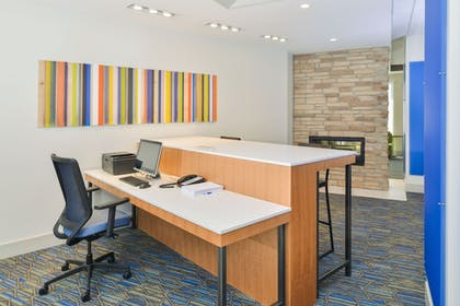 Business Center | Holiday Inn Express & Suites Chadron