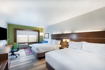 Guestroom | Holiday Inn Express & Suites Chanute