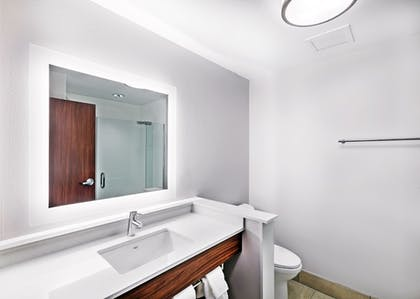 Bathroom | Holiday Inn Express & Suites Chanute